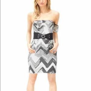 🎉5 for $25🎉 Banana Republic Chevron Dress